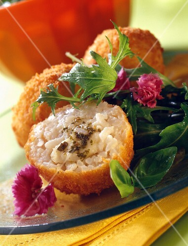 Rice, pistou and mozzarella croquettes