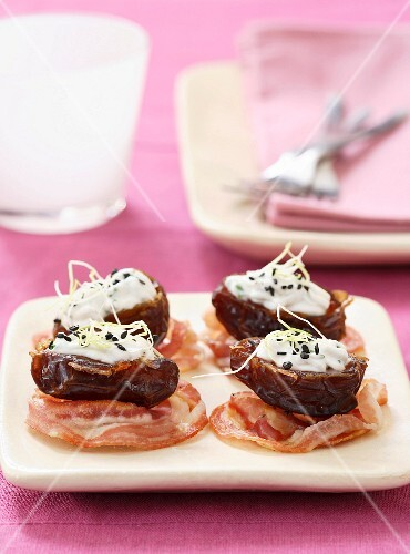 Stuffed dates with pancetta and goat's cream cheese