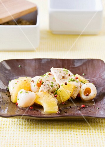 Turkey fillet with lychees and pineapple