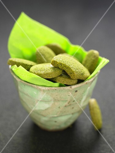 Small green Matcha tea biscuits