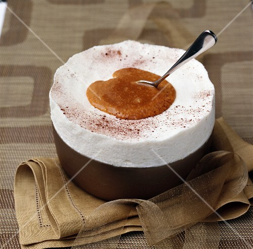 Ice cream soufflé with pears and salted caramel