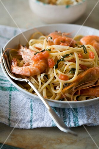 Linguines with gambas