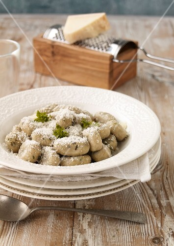 Zucchini and parmesan gnocchis