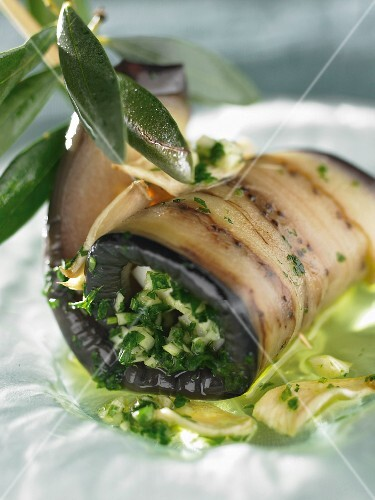 Aubergine rolls with herbs
