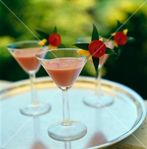 Cocktails with pink grapefruit