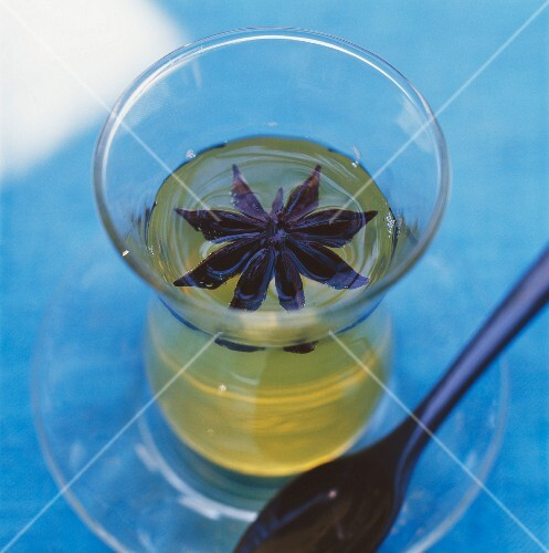 Flavoured oil with star anise