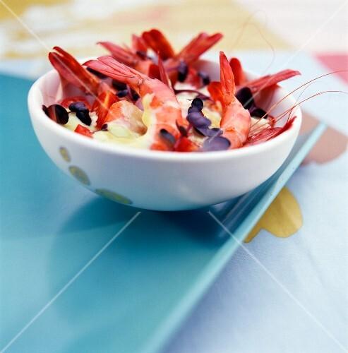 Prawns with curry sauce and daikon radish