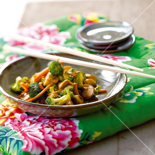 Sauteed vegetables with soya sauce