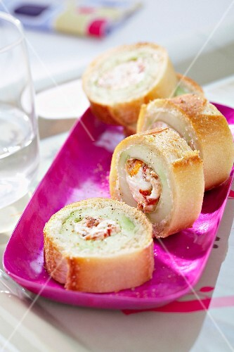Goat's cheese baguette rings
