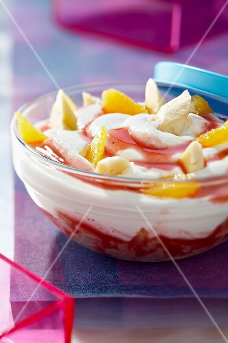 Fromage blanc with fresh fruit