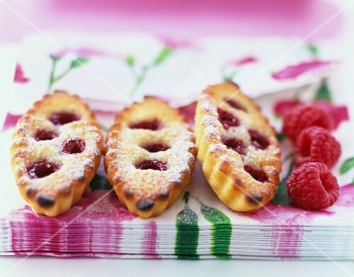 Fresh raspberry Financiers