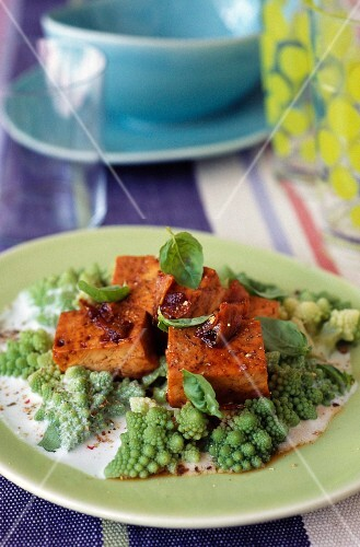 Caramelized tofu with coconut milk, romanesco cabbage and soya sauce