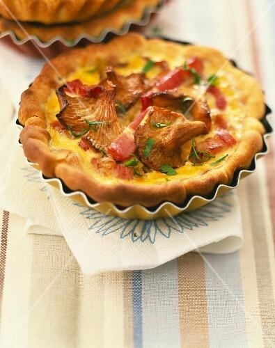 Chanterelle country tartlet