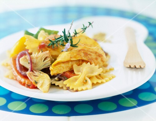 Chicken with farfalle and summer vegetables