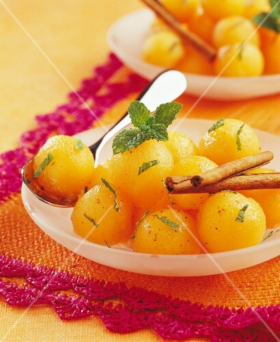 Spicy melon fruit salad with Port