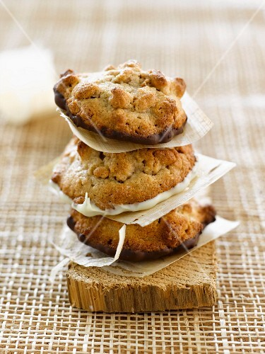 Soya, almond and chocolate cookies