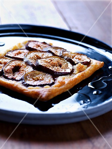 Fig and tabacco syrup tart