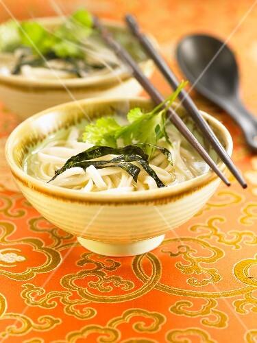 Chinese Tallarines in broth