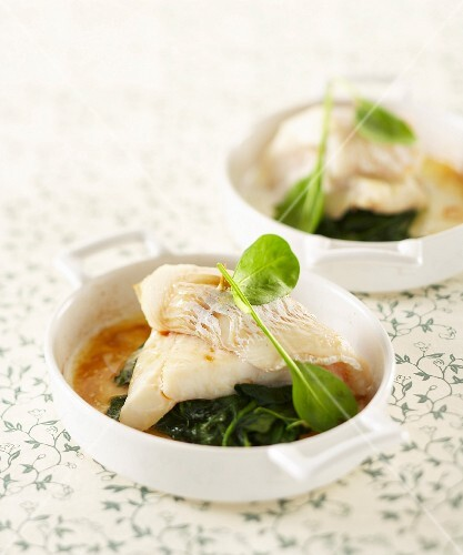 Fish with soya sauce with spinach