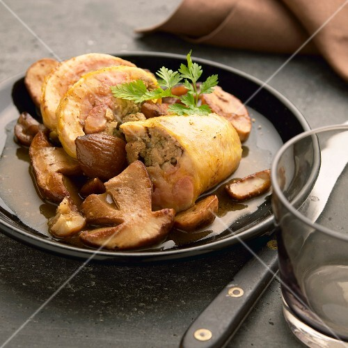 Gers chicken stuffed with ceps and chestnuts