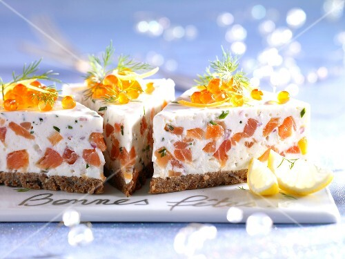 Salmon savoury cheesecake