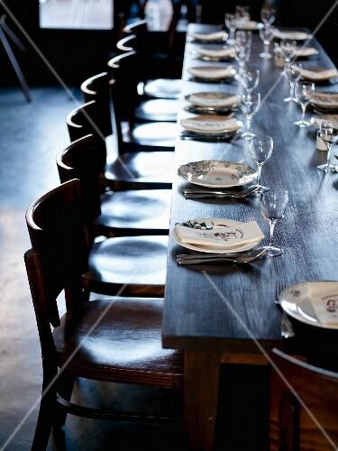 Long table in The Barbezingue Restaurant at Châtillon