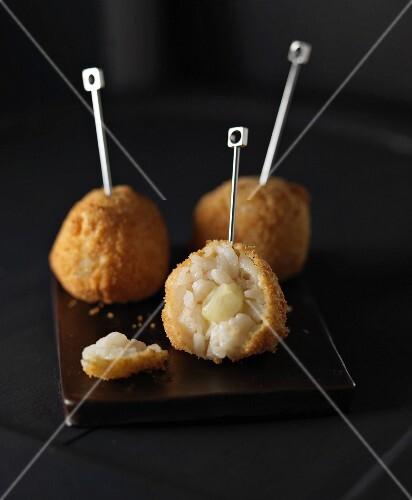 Mozzarella and risotto cheeseballs