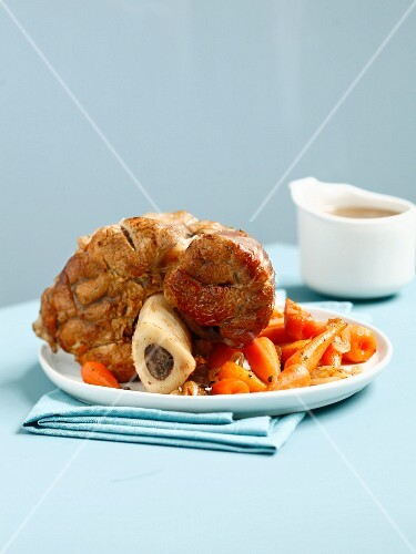 Knuckle of veal with carrots