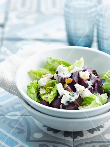 Beetroot, goat cheese and grilled almond salad