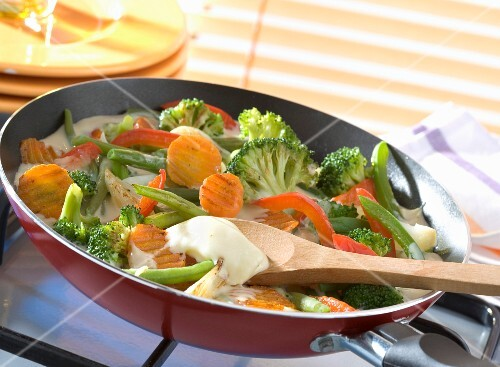 Pan-fried vegetables with light cream