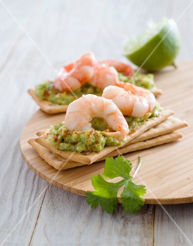 Guacamole and shrimp canapés