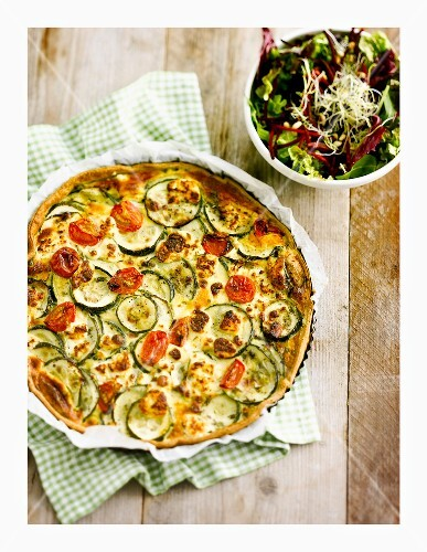 Zucchini and goat's cheese quiche