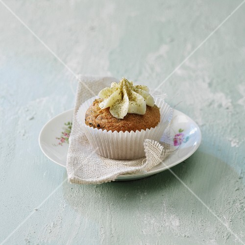 Green tea frosted cupcakes