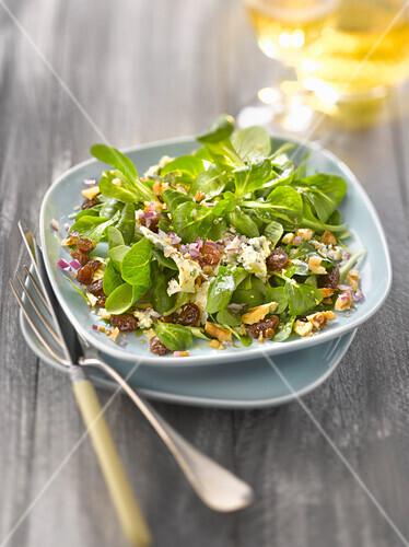 Corn lettuce, Fourme d'Ambert,walnut and raisin salad
