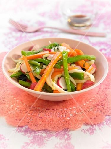 Crisp vegetable salad