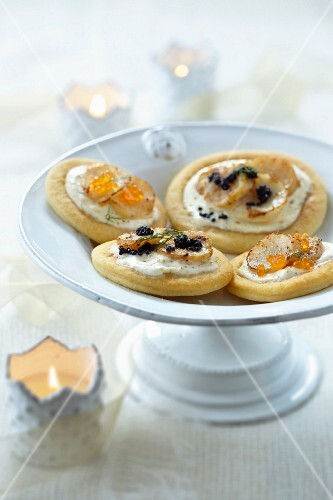 Blinis with scallops and fish roe
