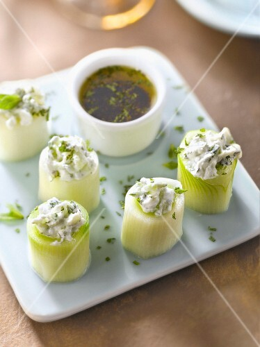 Leek, fromage frais and cucumber makis