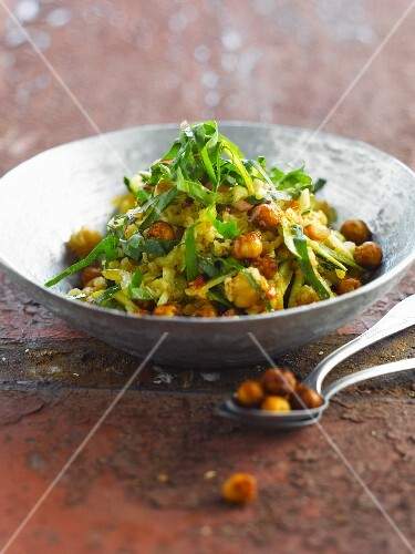 Bulghur with spicy chickpeas