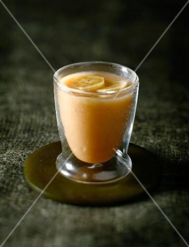 Vanilla-flavored banana and orange juice
