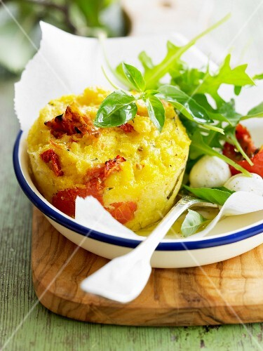 Polenta with sun-dried tomatoes