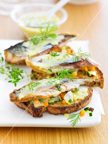 Mackerel and vegetables toasted open sandwiches