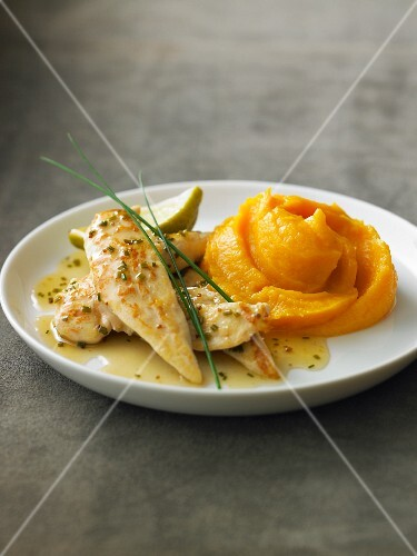 Chicken aiguillettes in lime sauce, sweet potato mash