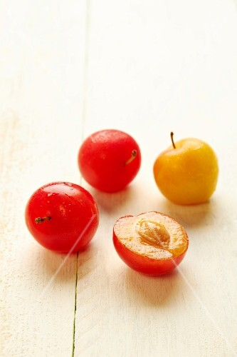 Miraclaude and mirabelle plums