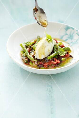 Green asparagus and sun-dried tomato Arlésienne salad