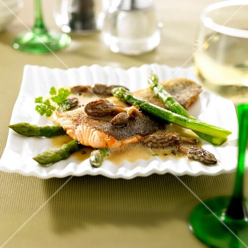 Salmon trout with green asparagus and morels