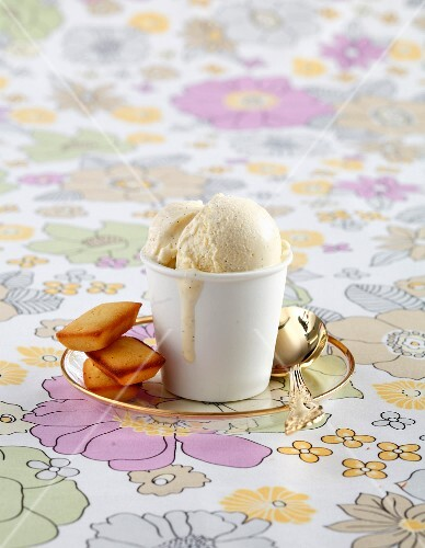 Vanilla ice cream and Almond Financiers