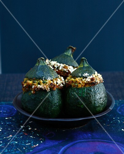 Stuffed round courgettes with caraway seeds