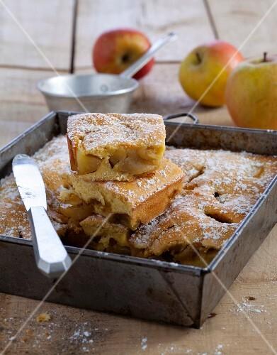 Apple brioche cake
