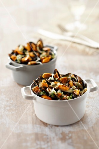 Mussel and Curé Nantais casseroles