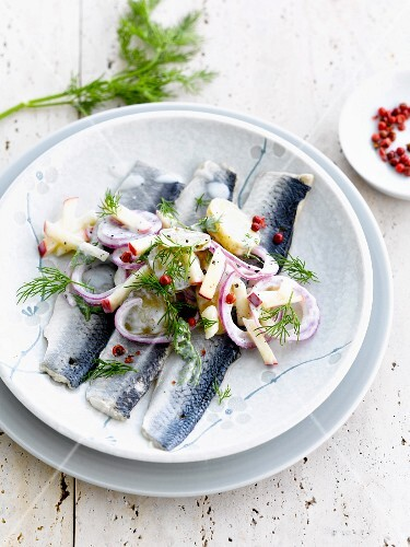 Herring fillets with apples